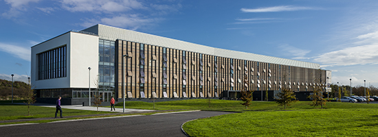 Energy savings biosciences research laboratory payette for Exterior research and design